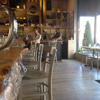 Photo 3 - Erling's Variety Restaurant OttawaRestos